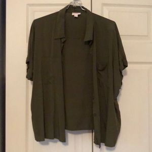 LuLaRoe Amy Top Button Up Cap Sleeve Olive Green